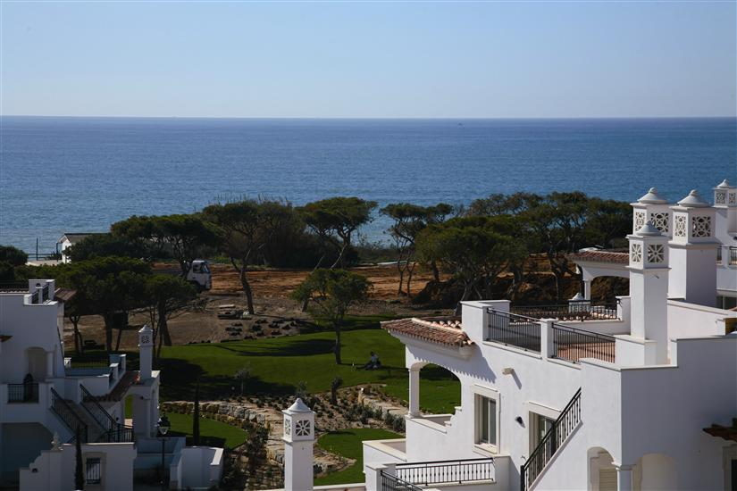 Alojamento - Apartamentos - 2 Bedroom Apartment overlooking beautiful Vila Sol Pools - ID 6260