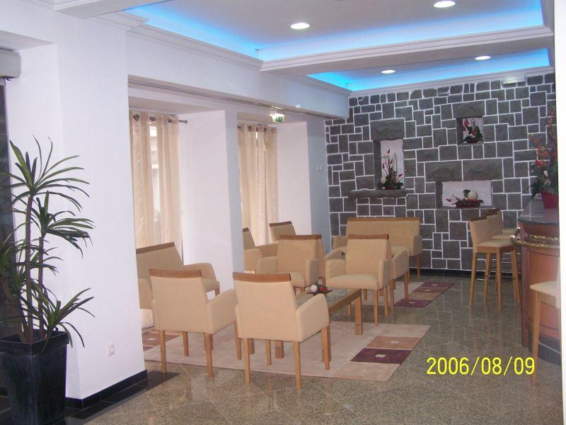 Real Estate - Sales - Villas - White Villa in small Condominium near Lourinha - real Estate Portugal - ID 5632