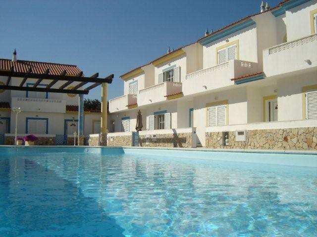 Alojamento - Alojamento Self Catering - 2 bedroom villa with pool near beach of Manta Rota, Algarve, Portugal - ID 7106