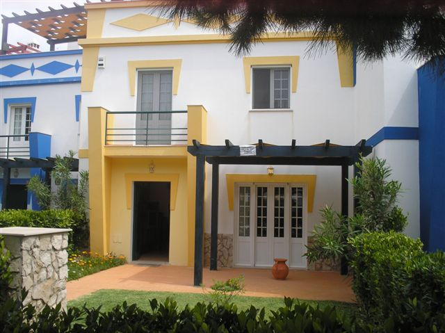 Alojamento - Casas, Chalés, Cottages & Moradias - 3 bedroom villa with garden in Praia Verde,Algarve, Portugal - ID 6978