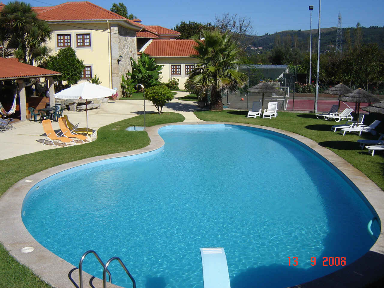 Alojamento - Apartamentos - Villa in beautiful area close to the beach village of Foz de Arelho . Silver Coast Portugal - ID 4774