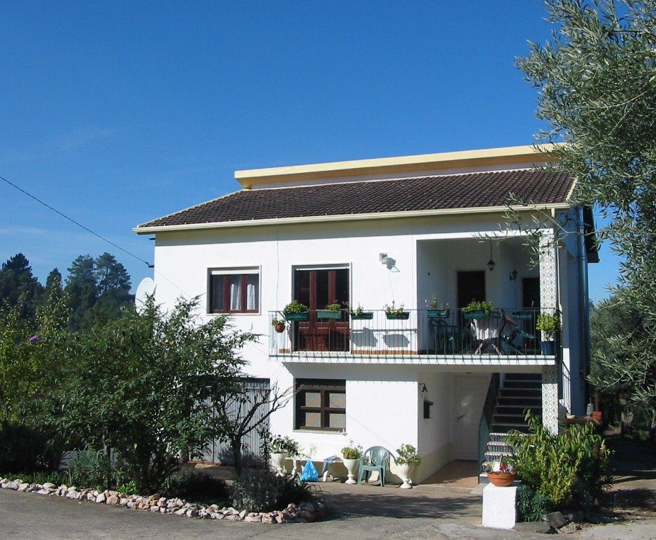 Real Estate - Sales - Houses - Portugal Properties - Beautiful little farm in peaceful location - ID 4608