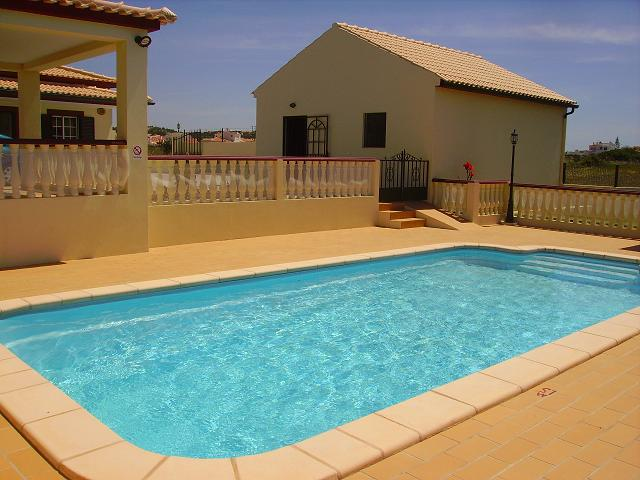 Albufeira - Accommodation - Self Catering Accommodation - Vivenda Arvela - ID 7038