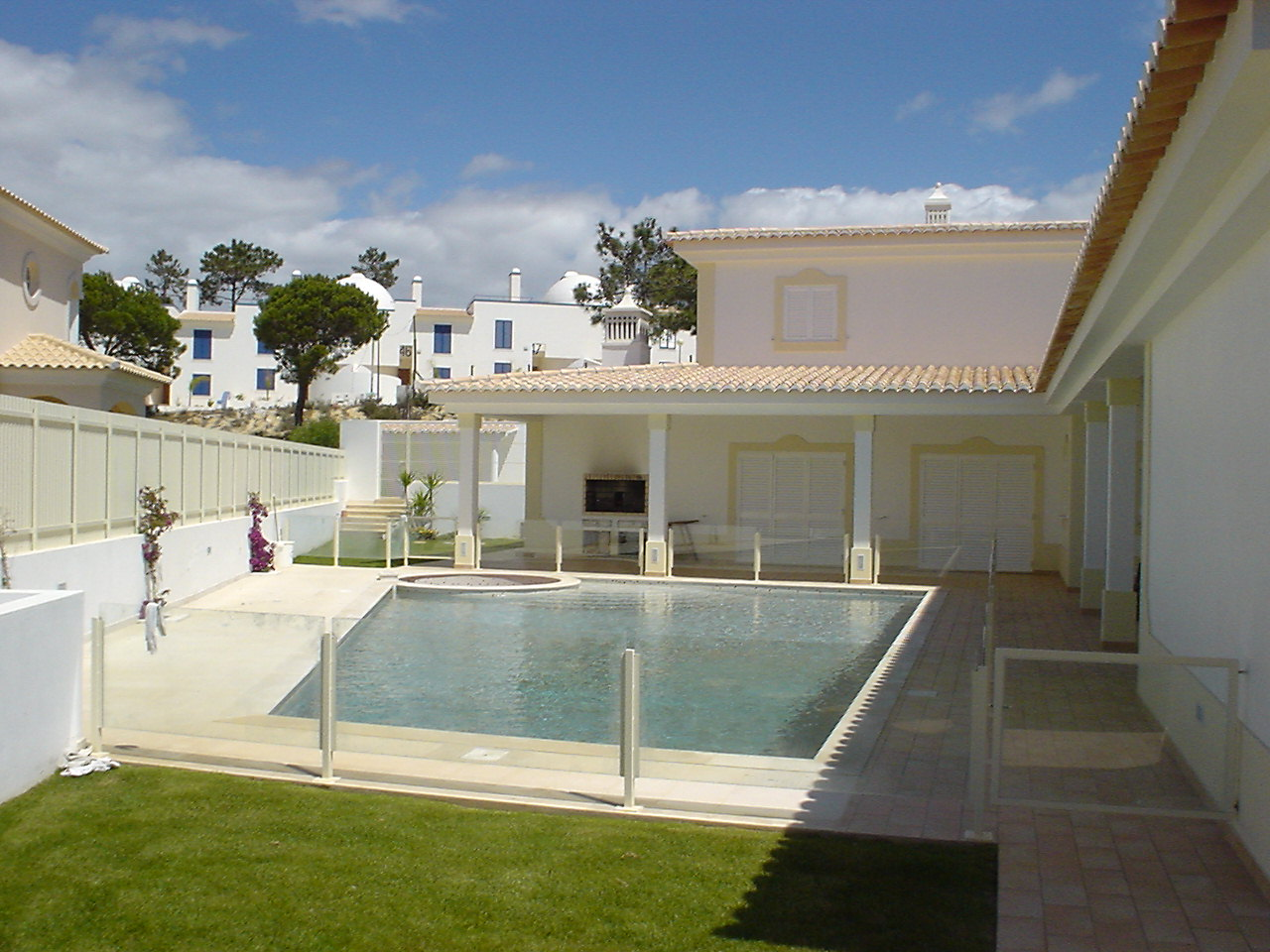 Almancil - Accommodation - Holiday Resorts - Beautiful 4 bedroomed villa for holiday rentals - ID 7003