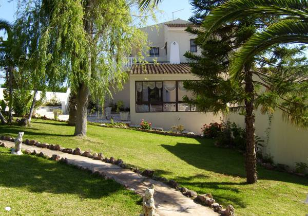 Silves - Accommodation - Self Catering Accommodation - 7 Bed Villa Algarve Sleeps 12 people - ID 7017