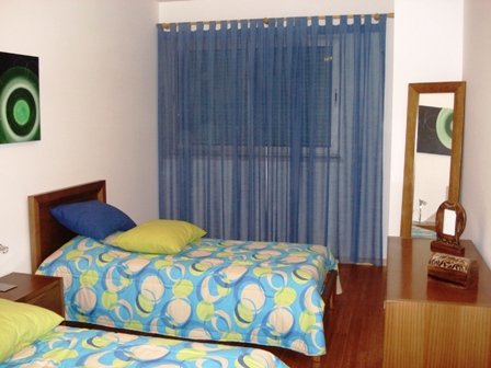 Alojamento - Apartamentos - Townhouses in private complex with communal pool.- Silver Coast Properties - ID 4598