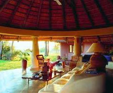 Holiday Rentals & Accommodation - Bush Lodges - Zambia - Zambezi River - Zambezi River