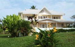 Holiday Rentals & Accommodation - Homes - Tabago - West Indies - Great Courland Bay