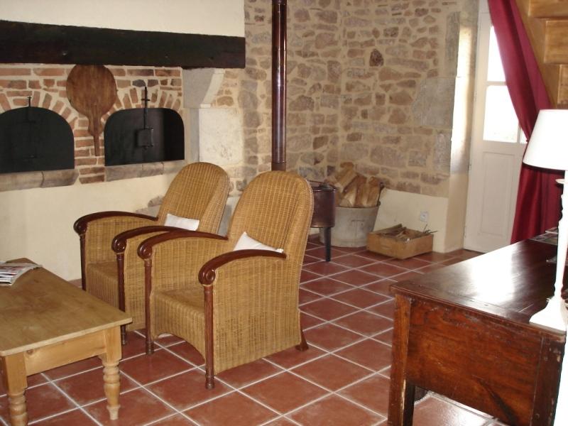 Plattelandse Huise te huur in Lurcy-Levis, Auvergne, France