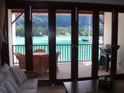 Seefront Woonstelle te huur in Near Victoria, Eastern Mahe - Seychelles, Seychelles