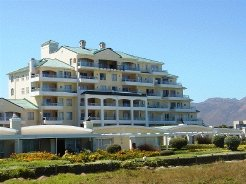 Holiday Rentals & Accommodation - Beachfront Apartments - South Africa - Helderberg - Strand