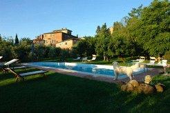 Holiday Rentals & Accommodation - Villas - Italy - Tuscany - Siena