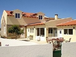 Holiday Rentals & Accommodation - Bed and Breakfasts - Portugal - Silver Coast - Near Obidos