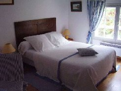 Bed and Breakfasts to rent in VELLUIRE, PAYS DE LOIRE, France