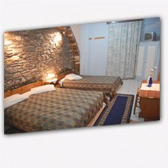 Hostels to rent in ERMOUPOLIS-SYROS, SYROS ISLAND, Greece
