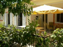 Holiday Rentals & Accommodation - Holiday Houses - Greece - vinieri - Dassia