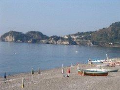 Holiday Rentals & Accommodation - Beachfront Apartments - Italy - Sicily - Taormina