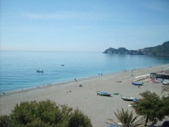 Beachfront Apartments to rent in Taormina, Sicily, Italy