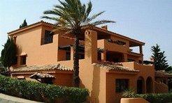Holiday Rentals & Accommodation - Beachfront Apartments - Spain - Andalucia - Estepona