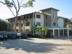 Holiday Rentals & Accommodation - Apartments - Australia - Cairns - Cairns