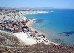 Holiday Rentals & Accommodation - Beachfront Apartments - Italy - Sicily - Realmonte