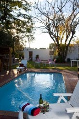 Holiday Rentals & Accommodation - Bed and Breakfasts - South Africa - Klein Karoo - Oudtshoorn