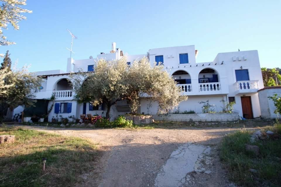 Holiday Rentals & Accommodation - Self Catering - Greece - Poros - Galatas