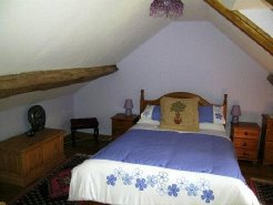 Cottages to rent in Lurcy-Levis, Auvergne, France