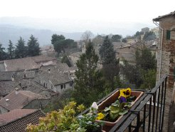 Holiday Rentals & Accommodation - Holiday Apartments - Italy - Umbria - Todi