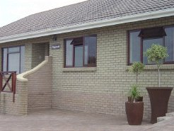 Holiday Rentals & Accommodation - Holiday Houses - South Africa - Garden Route - Rheebok