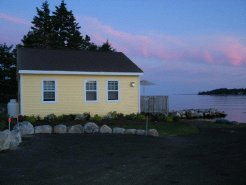 Holiday Rentals & Accommodation - Beach Cottages - Canada - South Shore,Lighthouse Route - Boutilier's Point