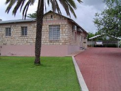 Holiday Rentals & Accommodation - Bed and Breakfasts - Namibia - Northern Namibia - Grootfontein
