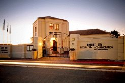 Woonstelle te huur in Somerset West, Winelands, South Africa