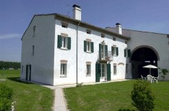 Holiday Farms to rent in San Benedetto Po, Lombardy, Italy