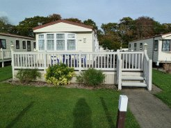 Holiday Rentals & Accommodation - Caravan Parks - United Kingdom - New Forest - New Milton