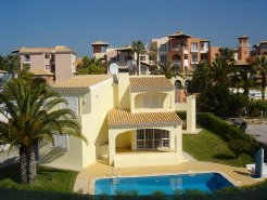 Holiday Rentals & Accommodation - Holiday Villas - Portugal - Vilamoura - Loule