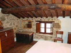 Country Houses to rent in lucca, tuscany/mediavalle/garfagnana, Italy