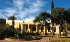 Holiday Rentals & Accommodation - Guest Farms - Namibia - Windhoek District - Windhoek