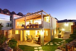 Holiday Rentals & Accommodation - Holiday Houses - South Africa - Bakoven - Cape Town