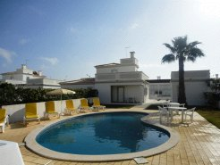 Holiday Rentals & Accommodation - Holiday Villas - Portugal - Praia da Galé - Algarve