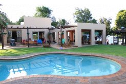 Holiday Rentals & Accommodation - Guest Houses - South Africa - GAUTENG - CENTURION, PRETORIA