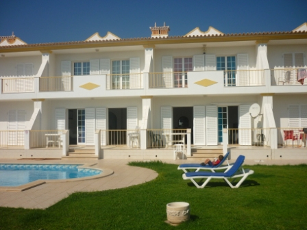 Holiday Rentals & Accommodation - Holiday Houses - Portugal - Algarve - Olhos de Água