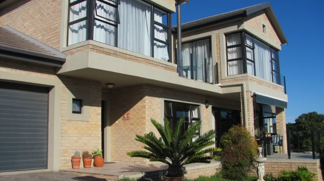 Exclusive Luxury Accommodation to rent in Garden Route, Great Brak River, South Africa