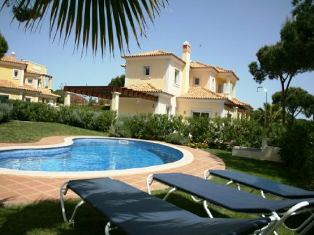 Holiday Rentals & Accommodation - Villas - Portugal - Algarve - Quarteira