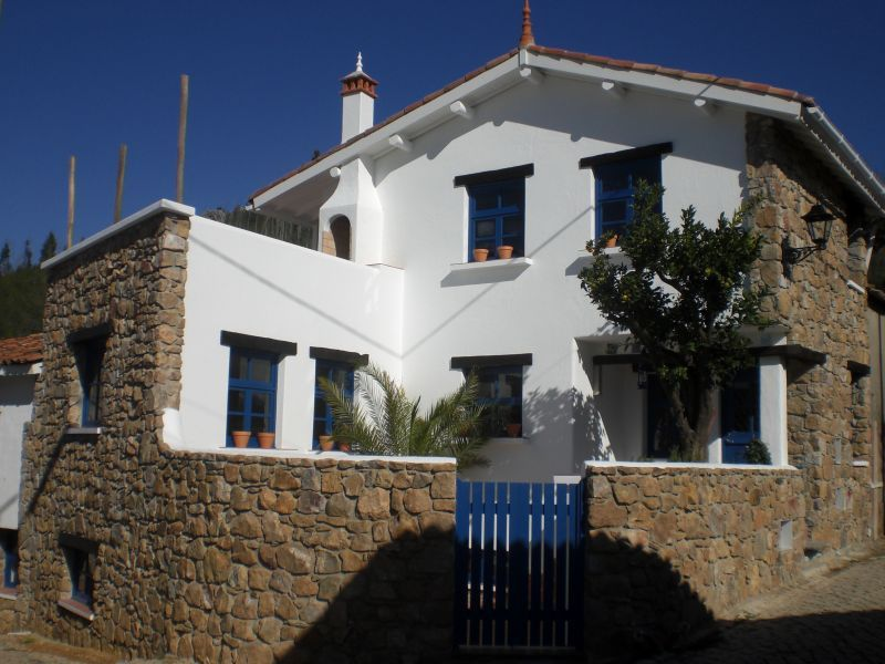 Holiday Rentals & Accommodation - Self Catering - Portugal - Central Portugal - Figueiro dos Vinhos