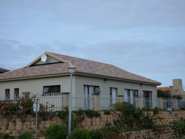 Holiday Rentals & Accommodation - Holiday Accommodation - South Africa - Garden Route - Reebokrif