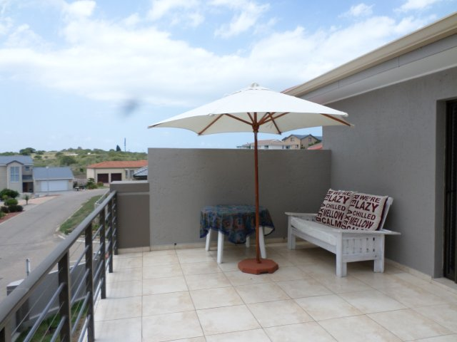 Self Catering to rent in Reebok, Garden Route, South Africa
