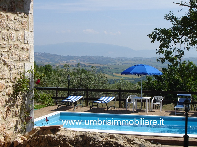Holiday Rentals & Accommodation - Country Houses - Italy - Umbria - Todi