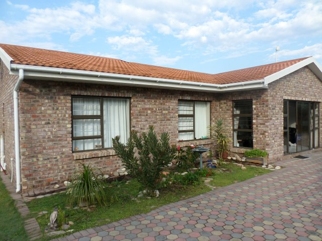 Verhurings & Vakansie Akkommodasie - Selfsorg - South Africa - Garden Route - Fraaiuitsig