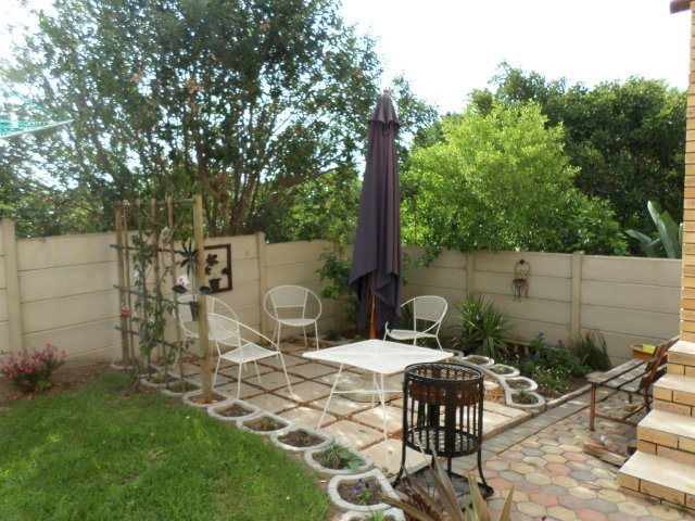 Holiday Rentals & Accommodation - Garden Flat - South Africa - Garden Route - Reebok